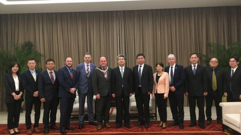 博士联盟主席马江涛陪同英国爱丁堡弗兰克市长访问深圳